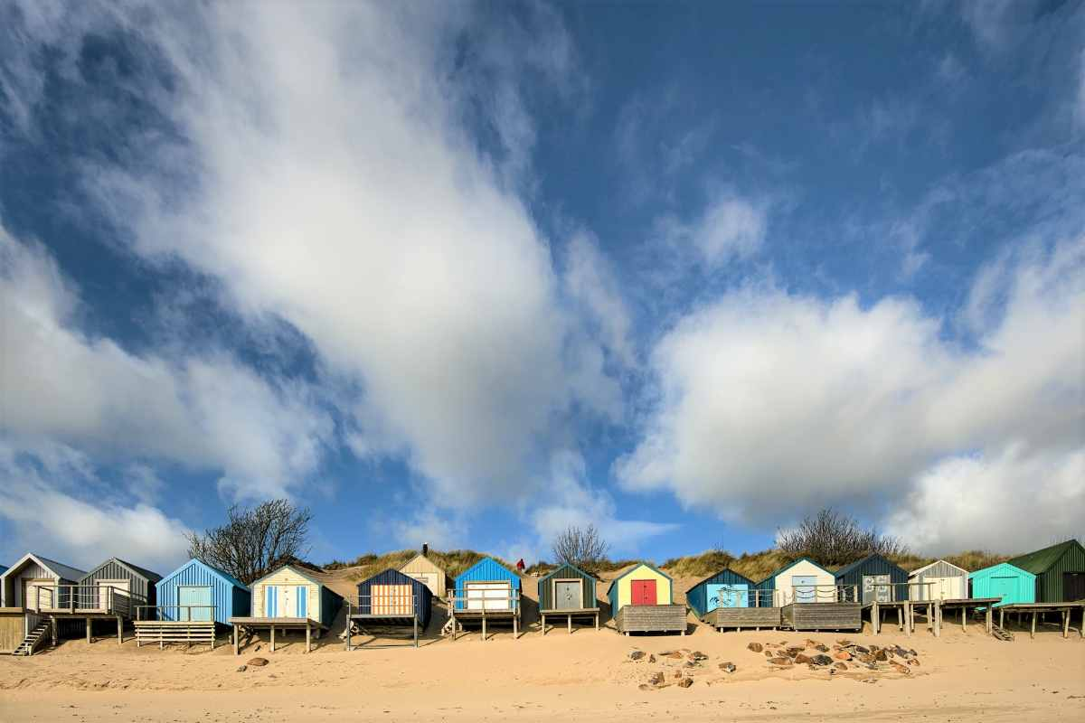 colourful-beach-huts-in-abersoch-beaches-in-liverpool