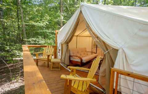 exterior-of-copperhill-glamping-tent-in-forest-glamping-tennessee