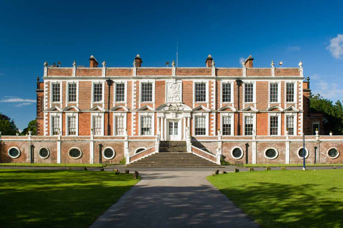 stanley-house-hotel-and-spa-gardens-walks-in-liverpool