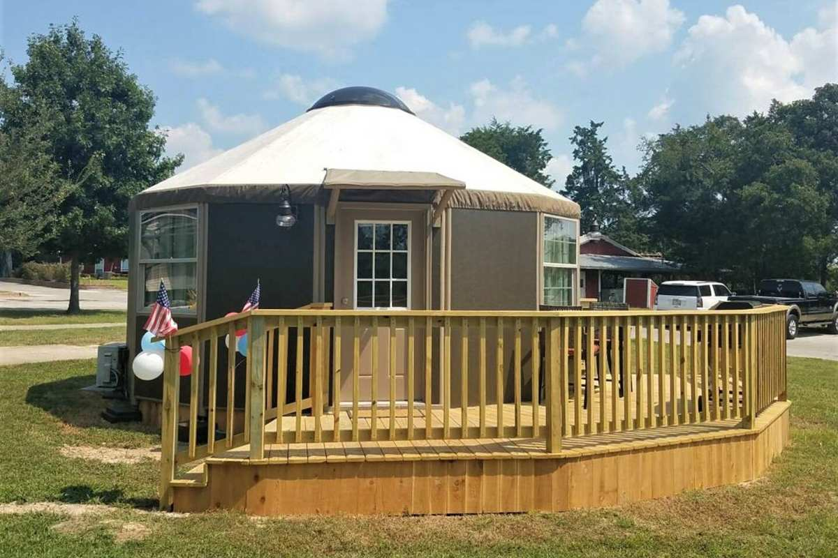 exterior-of-mill-creek-ranch-resort-yurt-with-decking