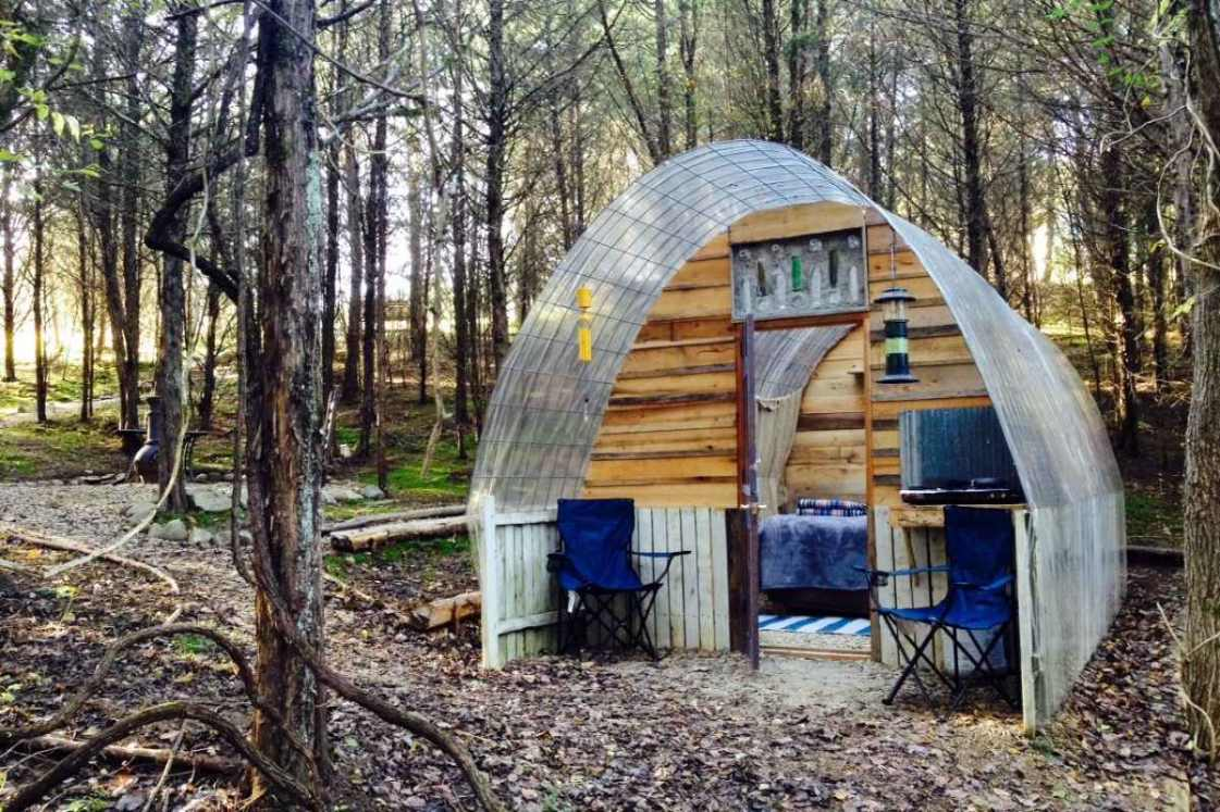 exterior-of-stargazing-hut-at-mossy-forest-glamping
