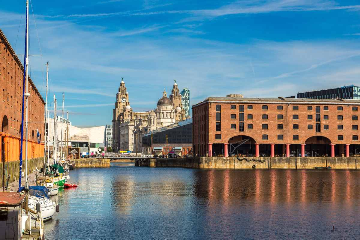 royal-albert-dock-and-the-three-graces-building-on-sunny-day