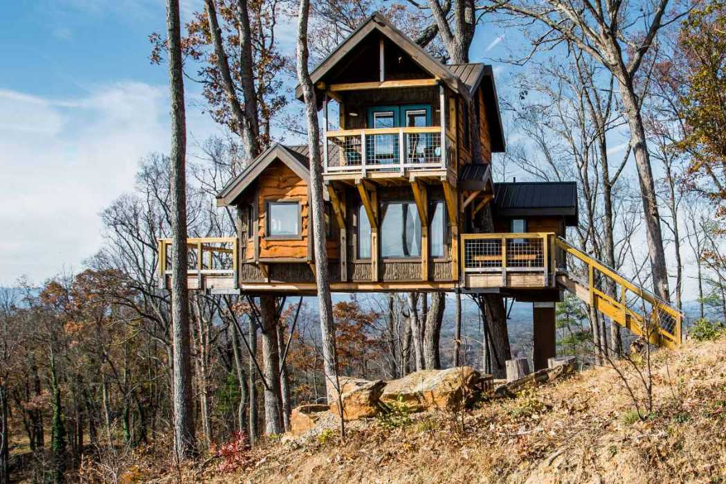 sanctuary-treehouse-at-treehouses-of-serenity-treehouse-rentals-nc