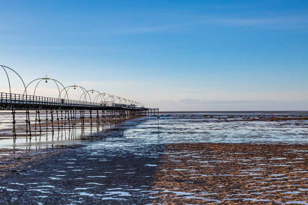 southport-beach-and-the-old-pier-at-sunset