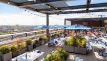 tables-on-skylark-roof-garden-on-sunny-day