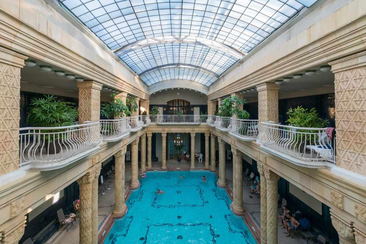 balconies-in-gellért-spa-bath-indoor-activities-budapest