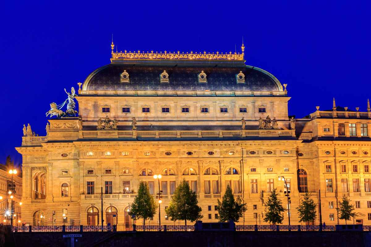 czech-national-theatre-lit-up-at-night