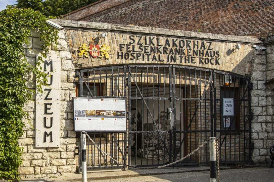 entrance-to-hospital-in-the-rock-nuclear-bunker-museum