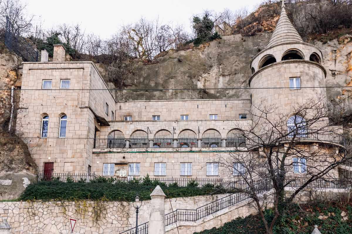 exterior-of-gellért-hill-cave-church