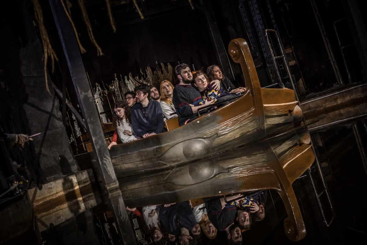 galloway-boat-ride-at-the-edinburgh-dungeons-indoor-activities-edinburgh