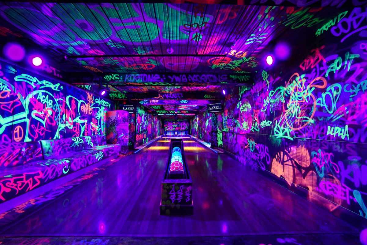 interior-of-lane-7-bowling-alley-indoor-activities-edinburgh