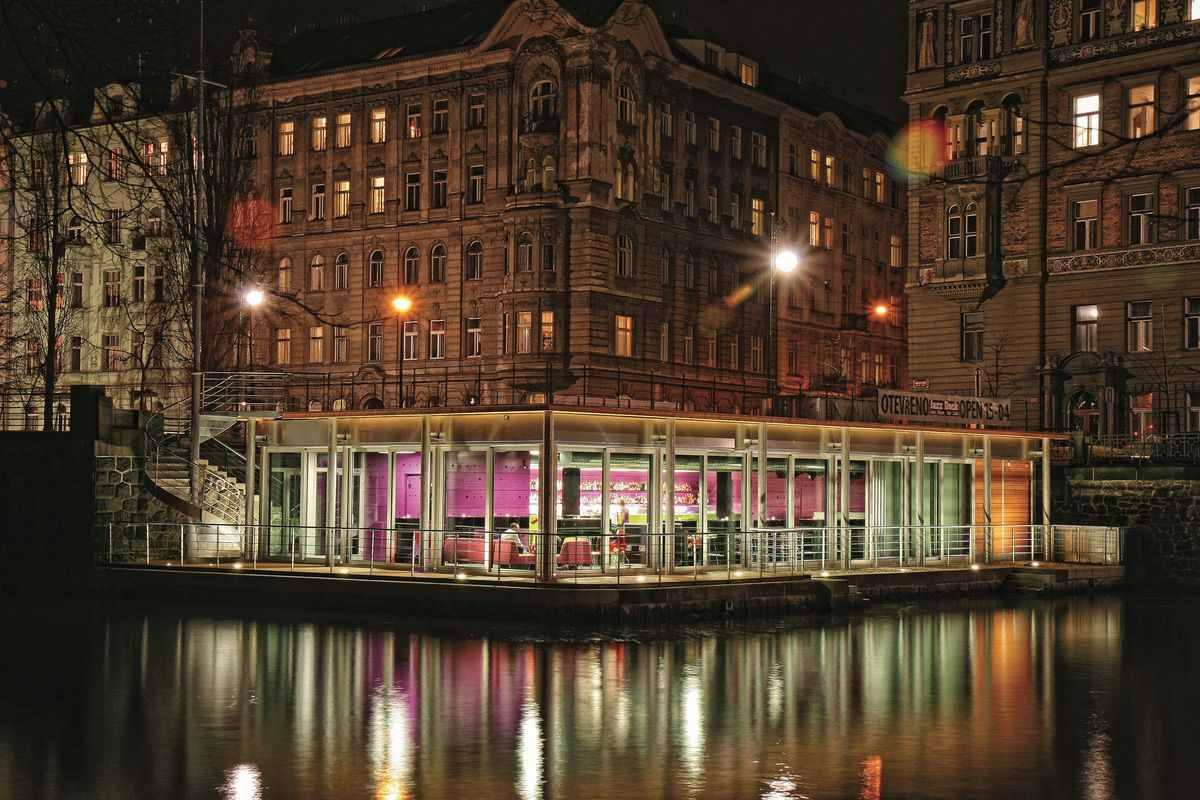 jazz-dock-bar-on-water-things-to-do-in-prague-at-night