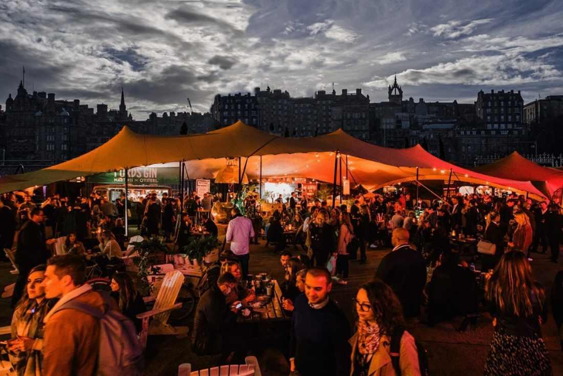shout!-bar-at-night-rooftop-bars-edinburgh