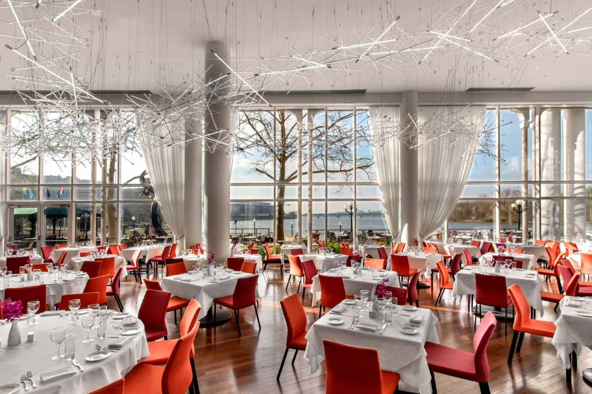 tables-inside-sequoia-restaurant-bottomless-brunch-dc