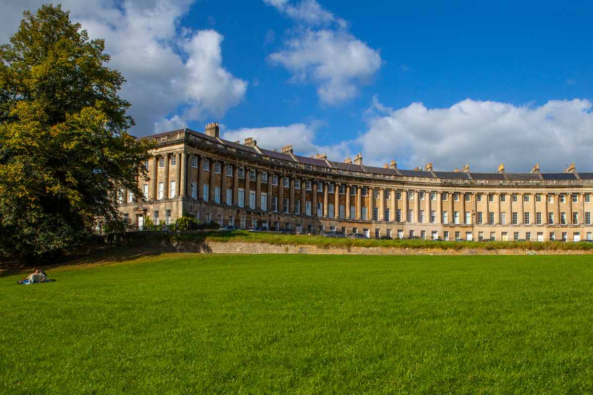 terraced-georgian-houses-of-the-royal-crescent