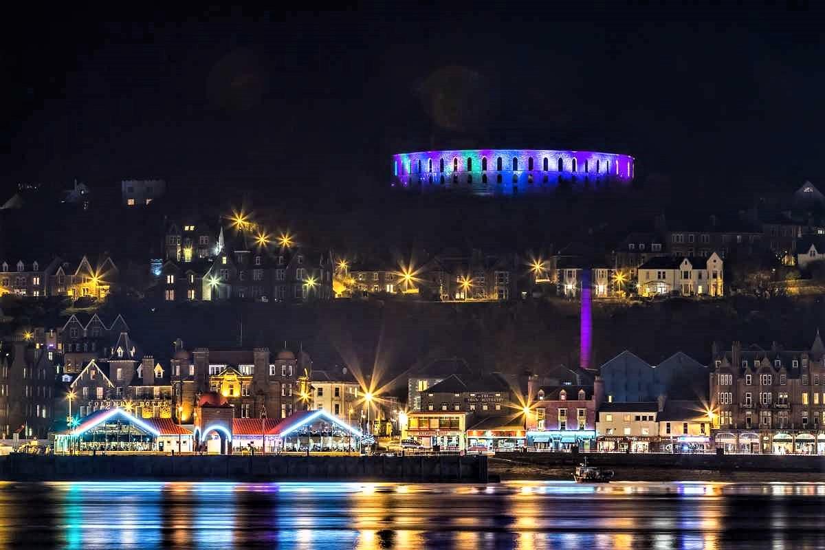 oban-winter-festival-christmas-markets-scotland