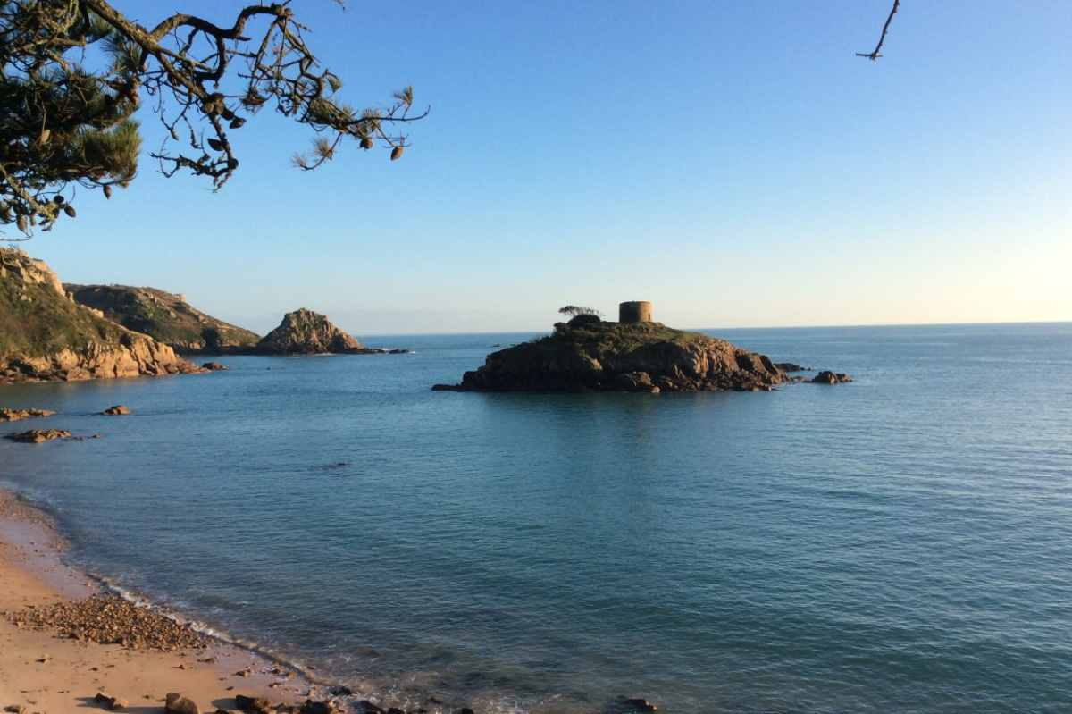 views-from-portelet-bay-cafe-3-days-in-jersey-itinerary