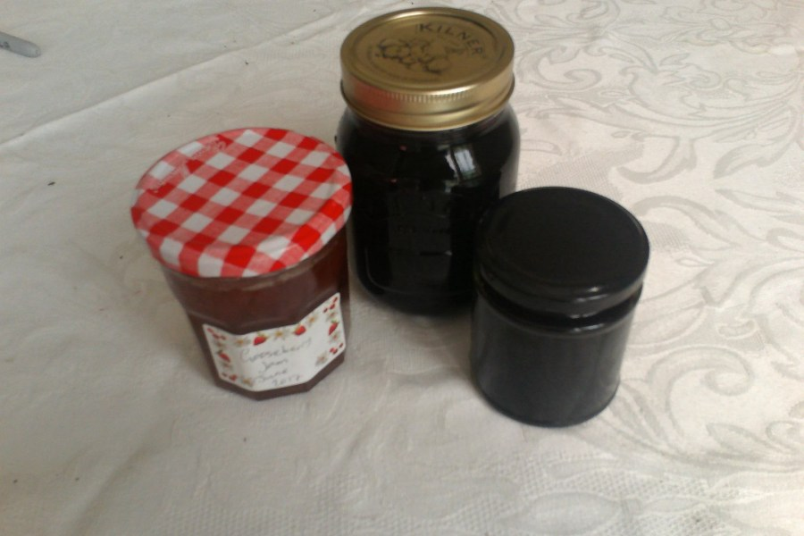 How to Sterilise Jars and Lids for preserving