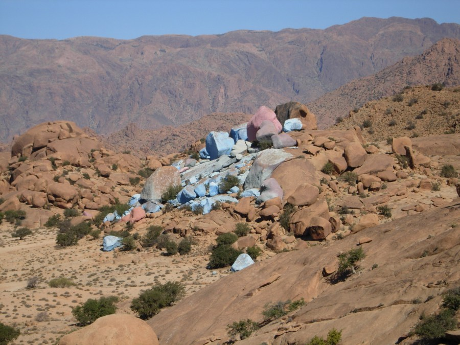 Blue and pink rocks near Tafraoute