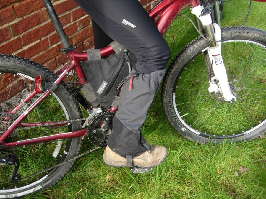 legs and feet How to stay warm when cycling