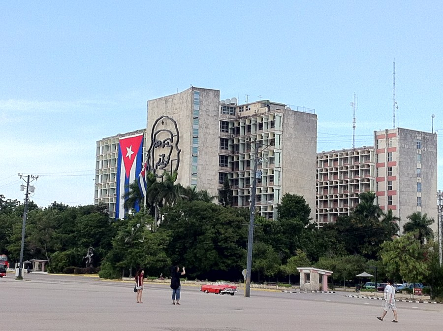 Havana from the back of a Buick Che Guevara Revolution Square