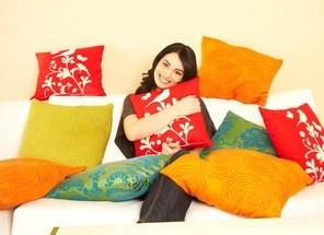 Trendige Ideen fürs Wohnzimmer: So setzen Sie farbige Akzente