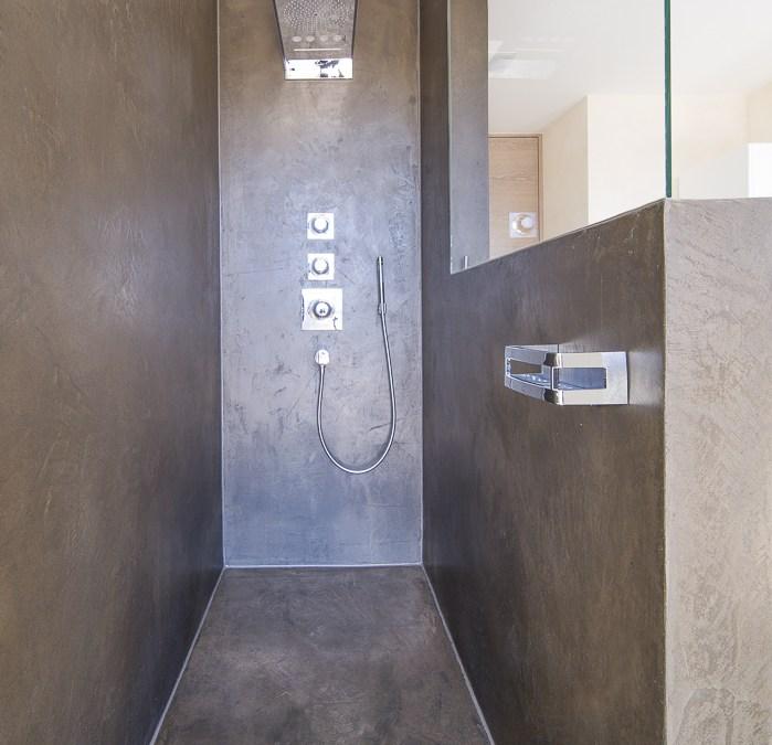 Die fugenlose dusche trendig und chic farbefreudeleben - Bodenbelag badezimmer fugenlos ...