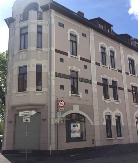 Fassade Ecke Beethovenallee/Bürgerstr.