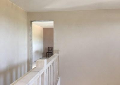 Treppenhaus mit Blick ins Schlafzimmer