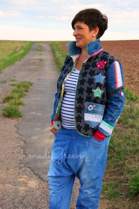madigreen_farbenmix_damen_jacke_walkjacke_jackie_jersey_black staaars_jeans upcycling_webband_eva