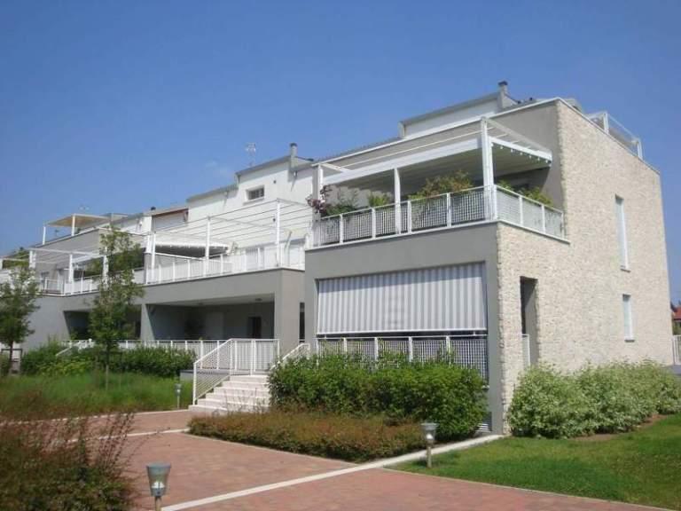 Condominio Green-Park: vista di un appartamento di testa
