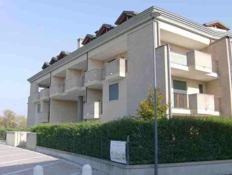 Complesso condominiale S. Anna di Piove di Sacco (PD) vista dalla piazzetta