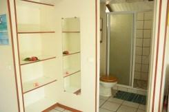 Grand bungalow : SDB et armoire
