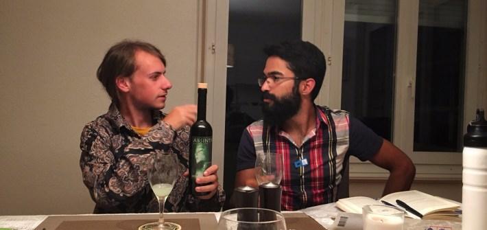 Luca, drinking Absinthe auf sein Wohl!