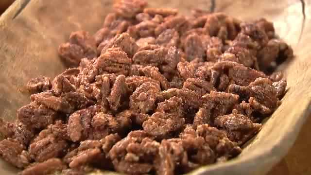 Cinnamon Sugared Pecans