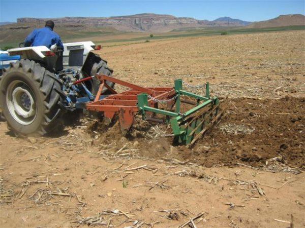 Media statement accompanying the results of an independent economic impact assessment (EIA) of a policy of land expropriation without compensation (EWC)