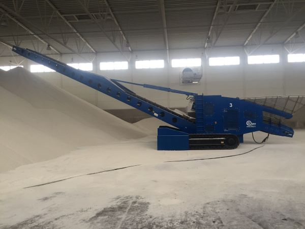 BLT WORLD's radial telescopic belt conveyors for efficient stockpiling of bulk materials