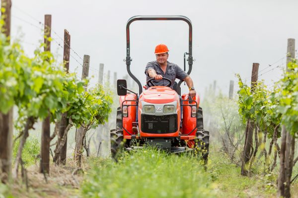 Increased productivity at low cost of operation with Kubota L-Series tractors