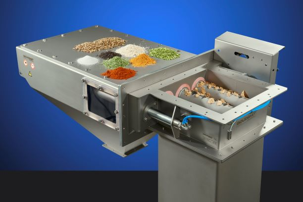 Solea removes metal contaminants from soya powder residue with a magnet