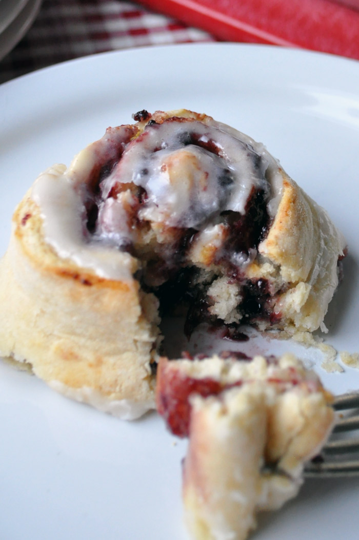Mixed Berry Jam Scrolls with Orange Fondant | farmgirlgourmet.com