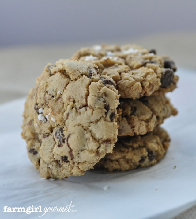 Salted Toffee Chocolate Chip Cookies | farmgirlgourmet.com