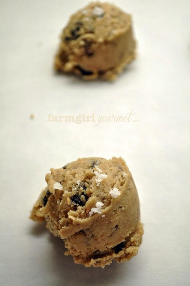 Sea Salted Toffee Chocolate Chip Cookies | farmgirlgourmet.com