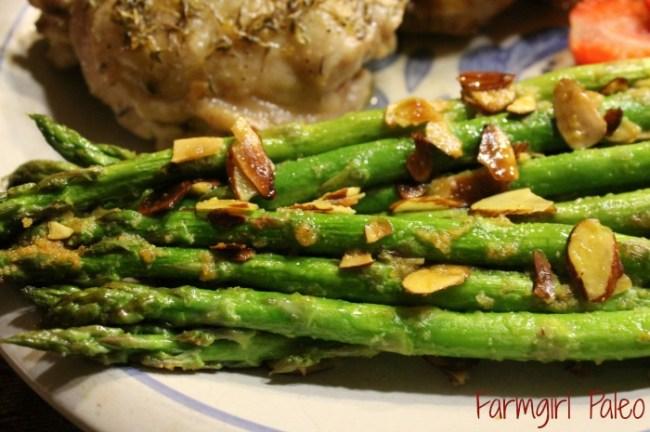 Paleo Seasoned Almond Asparagus