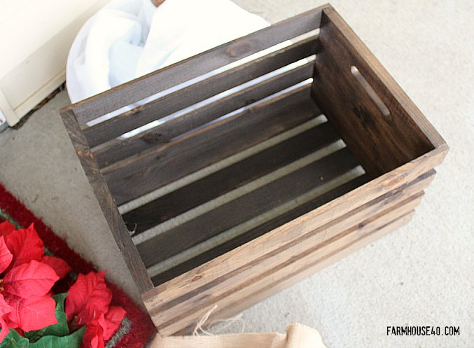 holiday wood crate 3330