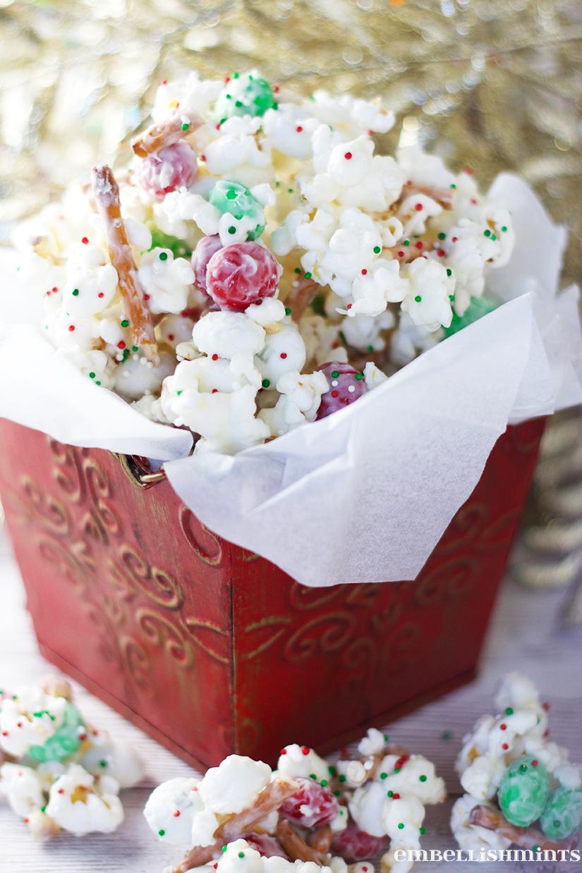 christmas-crunch-popcorn