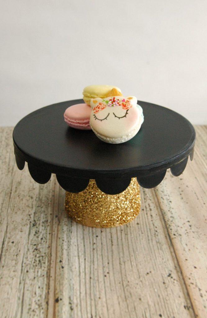 black-cake-stand