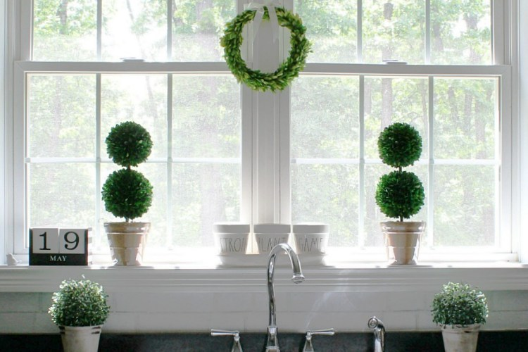3 Ideas To Add Beauty to your Decor with Preserved Boxwood Topiary