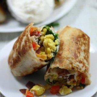 Bacon and Egg Breakfast Burritos