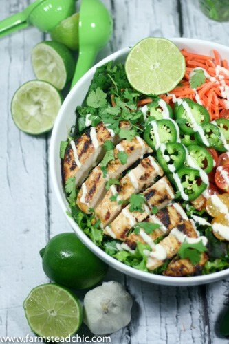This Taco Ranch Grilled Chicken Salad combines two of summer's greatest joys: (1) grilling and (2) loads of fresh veggies. Add some Mexican spices and Ranch seasoning and ... what are youwaiting for?? Whole30, Paleo, Dairy-free!