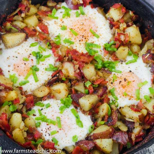 This Whole30 Breakfast Skillet is the perfect one-dish brunch! It's packed full of fresh veggies, herbs, eggs and bacon. Add it to your weekly rotation. #whole30 #cleaneating #farmsteadchic | www.farmsteadchic.com